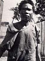 Cuando la periodista Zora Hurston tomó esta fotografía en 1936, la mujer zombie había sido internada en una hospital.